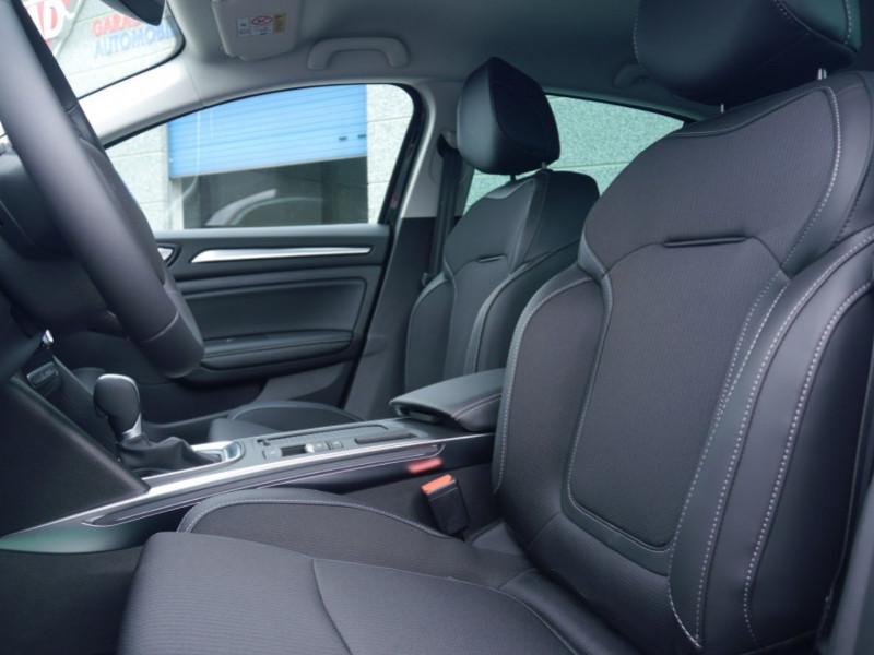 Photo 3 de l'offre de RENAULT MEGANE IV 1.3 TCE 140CH FAP INTENS EDC - 27 % à 23995€ chez Automobiles 25