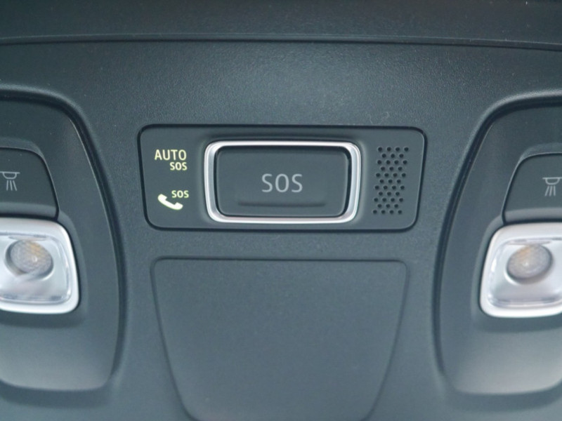 Photo 21 de l'offre de RENAULT MEGANE IV 1.3 TCE 140CH FAP RS LINE - 31 % à 22900€ chez Automobiles 25