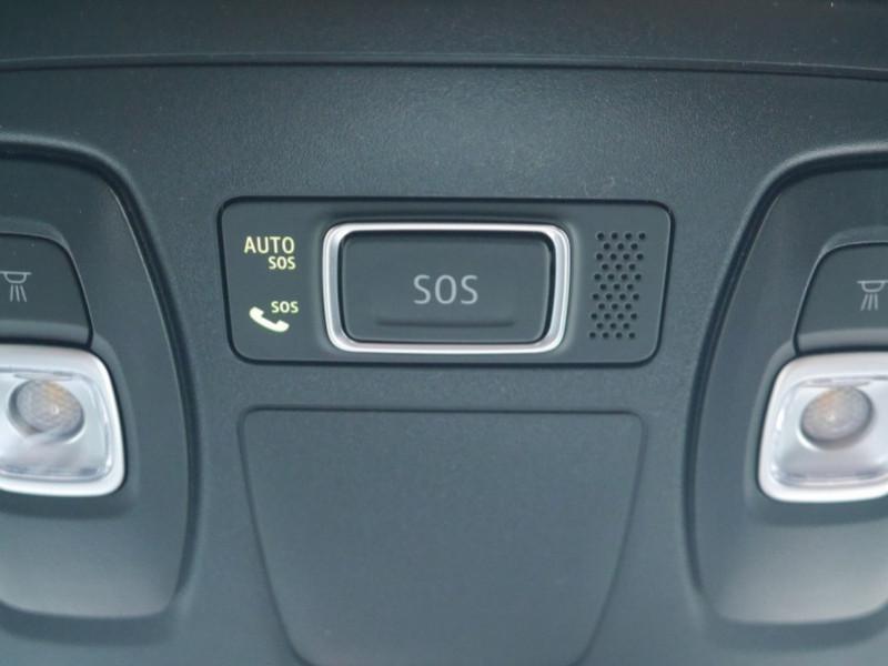Photo 21 de l'offre de RENAULT MEGANE IV 1.3 TCE 140CH FAP RS LINE - 31% à 22900€ chez Automobiles 25