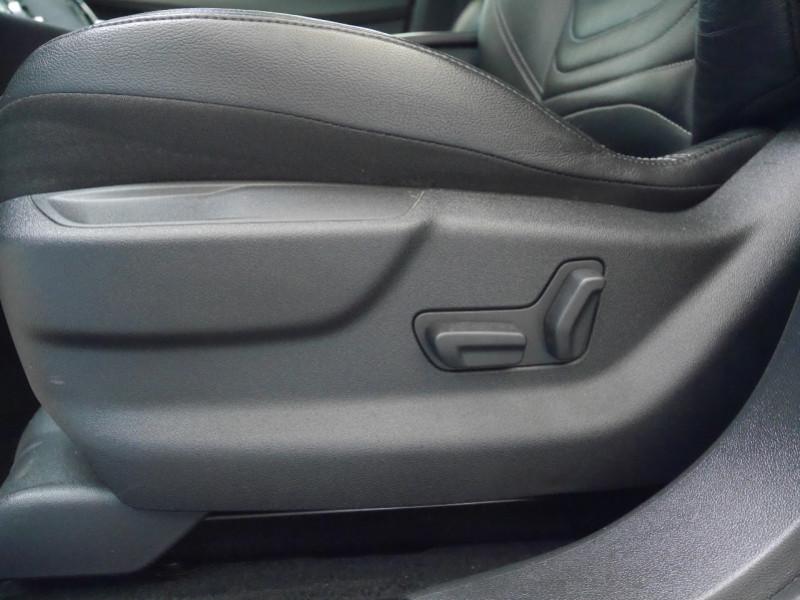 Photo 16 de l'offre de CITROEN DS5 HYBRID4 SPORT CHIC ETG6 à 15990€ chez Automobiles 25