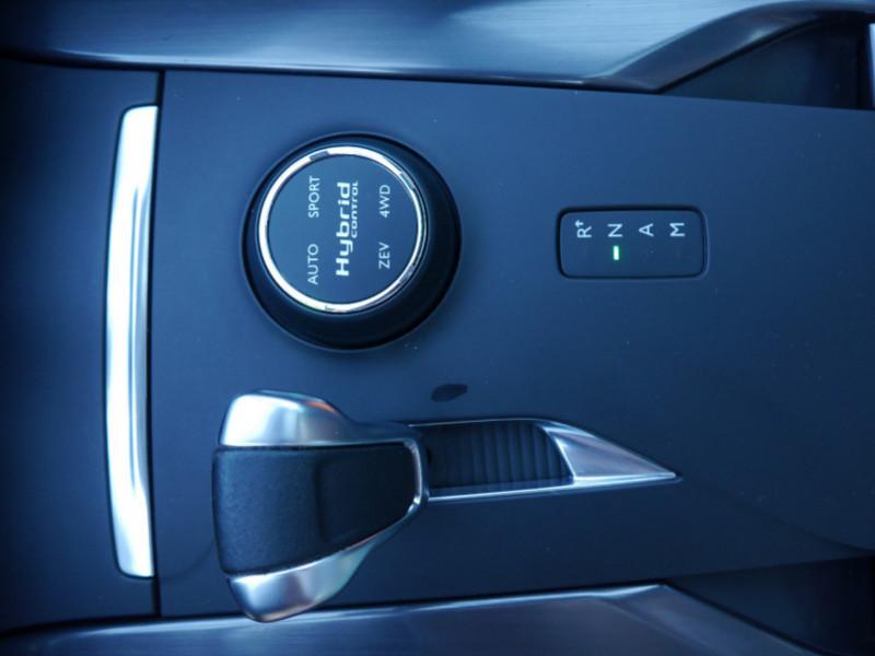 Photo 27 de l'offre de CITROEN DS5 HYBRID4 SPORT CHIC ETG6 à 15990€ chez Automobiles 25