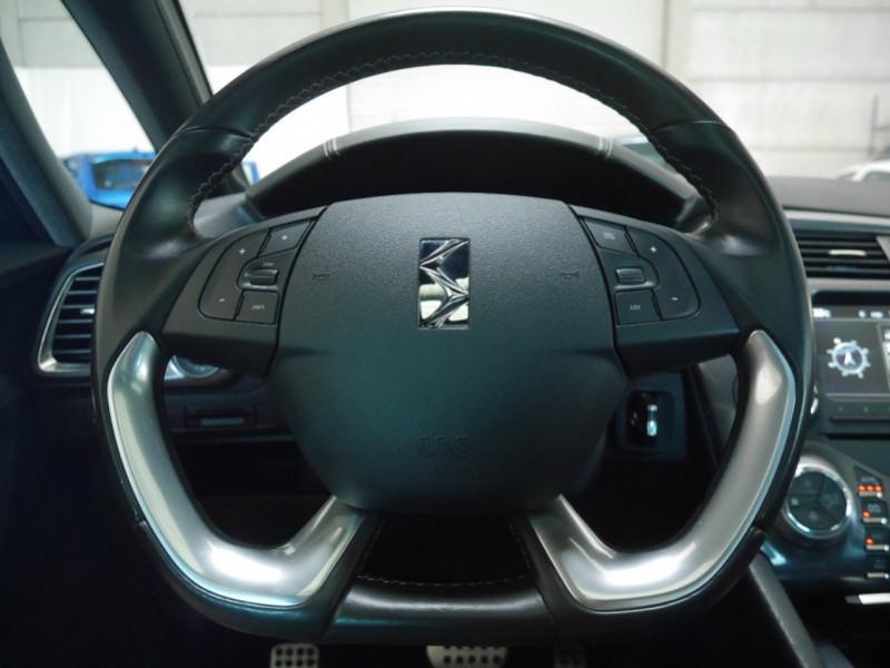 Photo 3 de l'offre de CITROEN DS5 HYBRID4 SPORT CHIC ETG6 à 15990€ chez Automobiles 25