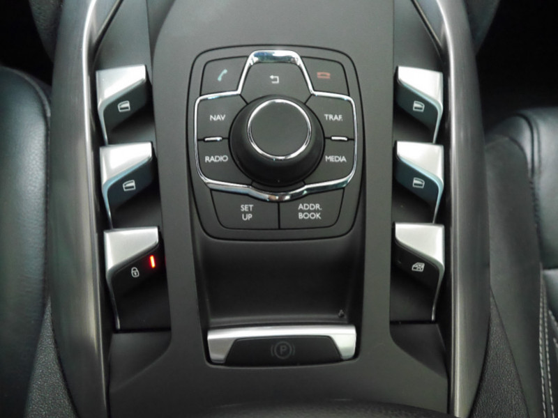 Photo 8 de l'offre de CITROEN DS5 HYBRID4 SPORT CHIC ETG6 à 15990€ chez Automobiles 25