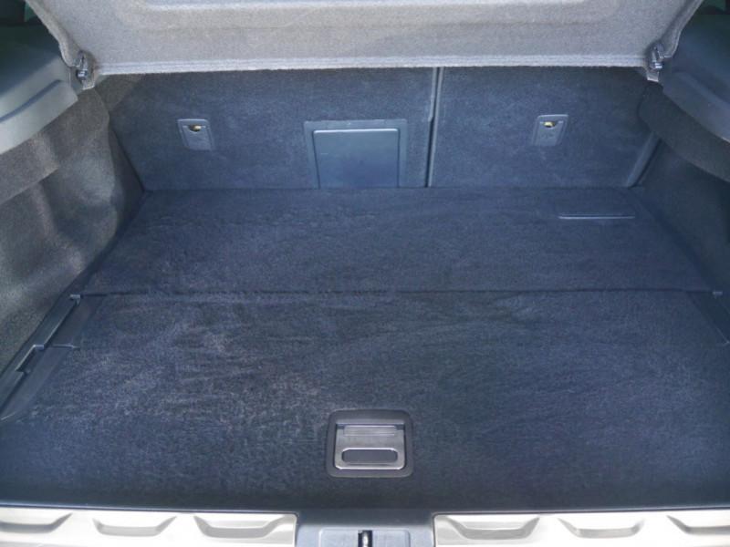 Photo 18 de l'offre de CITROEN DS5 HYBRID4 SPORT CHIC ETG6 à 15990€ chez Automobiles 25