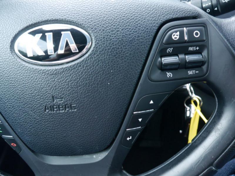 Photo 9 de l'offre de KIA CEE'D 1.4 100CH STYLE ISG à 8990€ chez Automobiles 25
