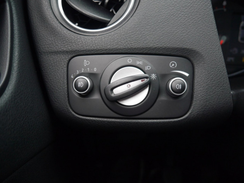 Photo 18 de l'offre de FORD MONDEO 2.0 TDCI 140CH FAP TITANIUM 5P à 8480€ chez Automobiles 25