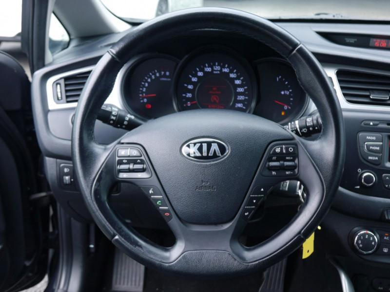 Photo 6 de l'offre de KIA CEE'D 1.4 100CH STYLE ISG à 8990€ chez Automobiles 25