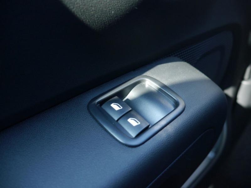 Photo 18 de l'offre de CITROEN C3 1.2 PURETECH 110CH S&S FEEL PACK 124G - 8 % à 18495€ chez Automobiles 25