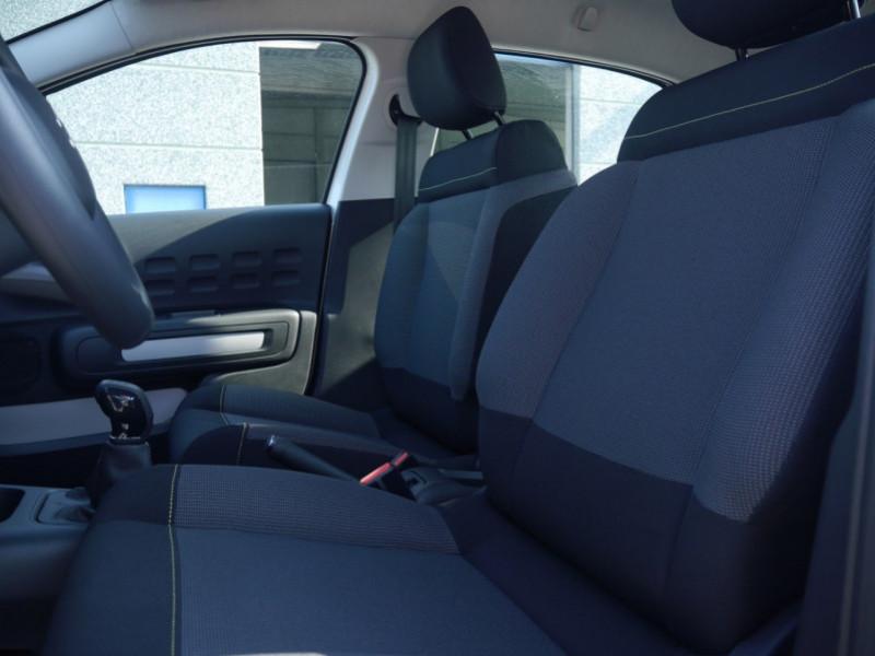 Photo 4 de l'offre de CITROEN C3 1.2 PURETECH 110CH S&S FEEL PACK 124G - 8 % à 18495€ chez Automobiles 25