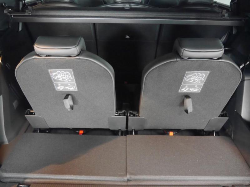 Photo 27 de l'offre de PEUGEOT 5008 2.0 BLUEHDI 180CH S&S GT PACK EAT8 - 9 % à 44995€ chez Automobiles 25