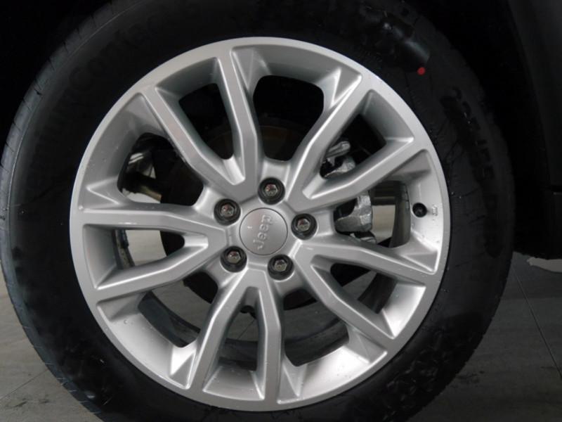 Photo 21 de l'offre de JEEP COMPASS 1.3 GSE T4 150CH LIMITED 4X2 BVR6 - 16 % à 32495€ chez Automobiles 25