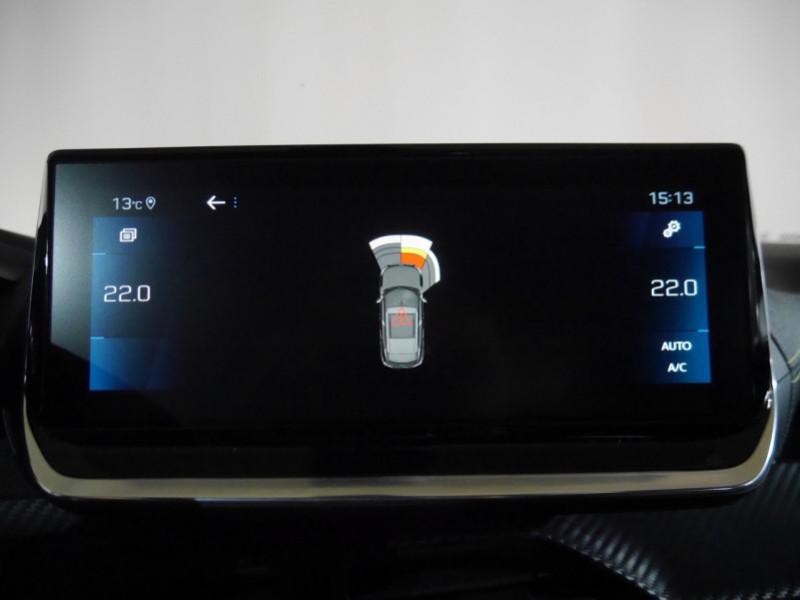 Photo 15 de l'offre de PEUGEOT 2008 1.5 BLUEHDI 130CH S&S GT EAT8 -6% à 32995€ chez Automobiles 25