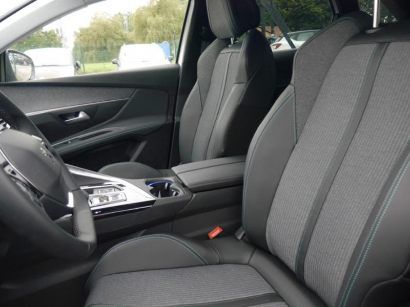 Photo 4 de l'offre de PEUGEOT 3008 HYBRID 225CH ALLURE E-EAT8 10CV -19% à 37995€ chez Automobiles 25