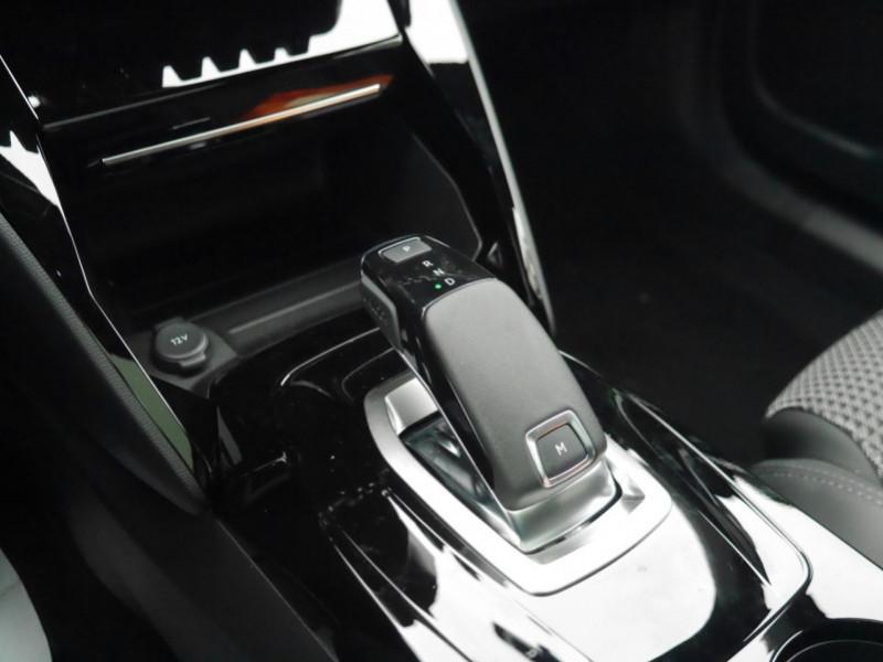 Photo 8 de l'offre de PEUGEOT 2008 1.5 BLUEHDI 130CH S&S GT EAT8 -6% à 32995€ chez Automobiles 25