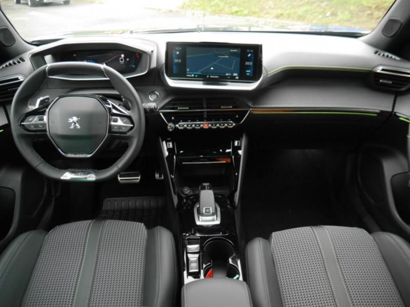 Photo 3 de l'offre de PEUGEOT 2008 1.5 BLUEHDI 130CH S&S GT EAT8 -6% à 32995€ chez Automobiles 25