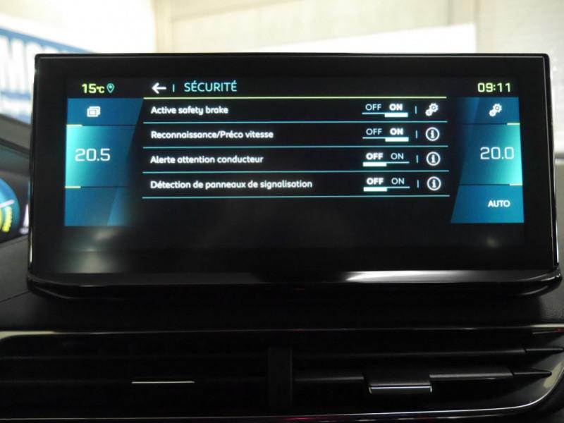 Photo 14 de l'offre de PEUGEOT 3008 HYBRID 225CH ALLURE E-EAT8 10CV -19% à 37995€ chez Automobiles 25