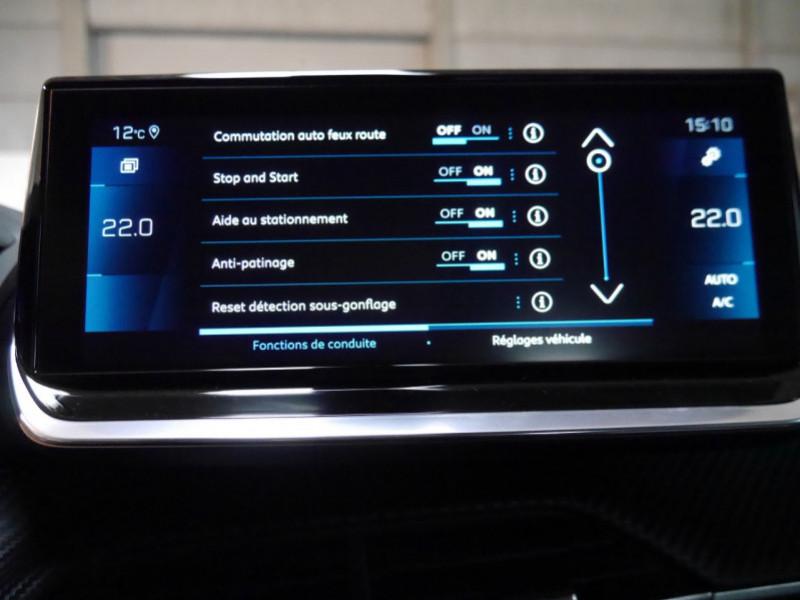 Photo 14 de l'offre de PEUGEOT 2008 1.5 BLUEHDI 130CH S&S GT EAT8 -6% à 32995€ chez Automobiles 25