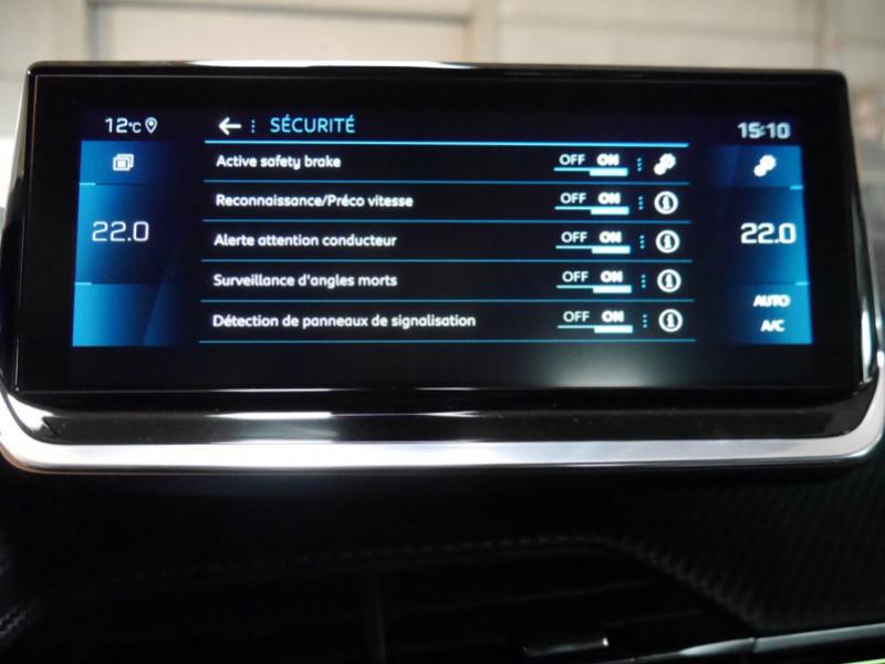 Photo 16 de l'offre de PEUGEOT 2008 1.5 BLUEHDI 130CH S&S GT EAT8 -6% à 32995€ chez Automobiles 25