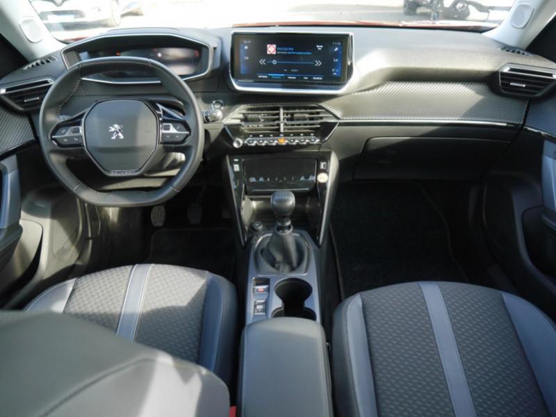 Photo 3 de l'offre de PEUGEOT 2008 1.2 PURETECH 100CH S&S ALLURE 5CV à 21900€ chez Automobiles 25