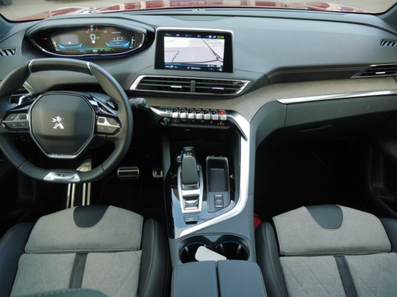 Photo 3 de l'offre de PEUGEOT 3008 HYBRID4 300CH GT E-EAT8 à 41590€ chez Automobiles 25