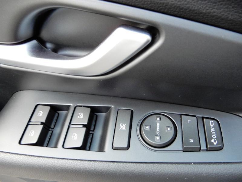 Photo 5 de l'offre de HYUNDAI i30 1.0 T-GDi 120ch Edition Mondial à 12990€ chez Garage Bazin