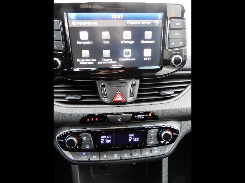 Photo 8 de l'offre de HYUNDAI i30 1.0 T-GDi 120ch Edition Mondial à 12990€ chez Garage Bazin
