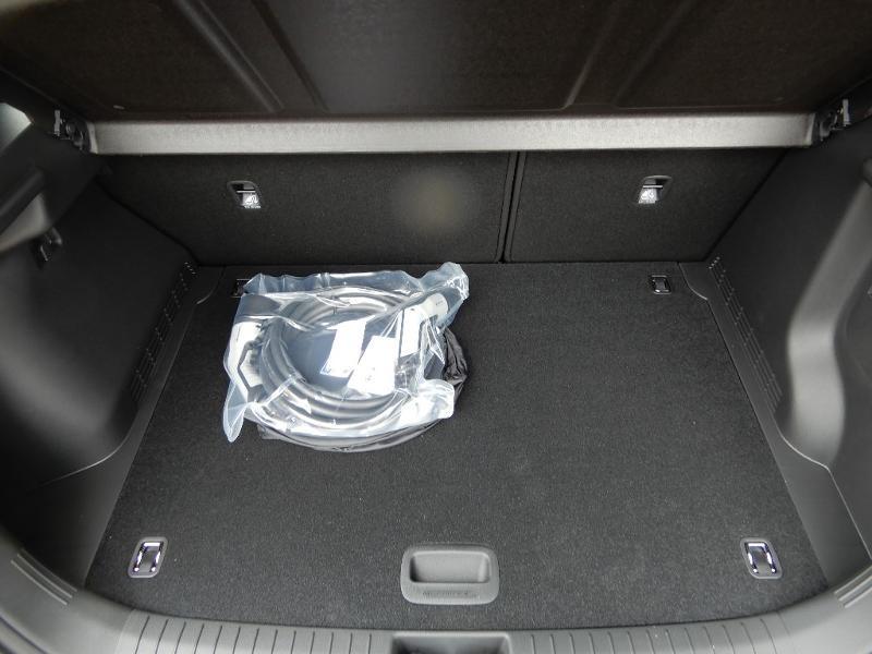 Photo 18 de l'offre de HYUNDAI Kona Electric 136ch Intuitive Euro6d-T EVAP 2cv à 22250€ chez Garage Bazin