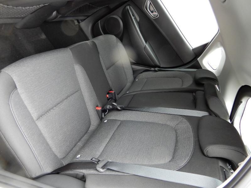 Photo 17 de l'offre de HYUNDAI Kona Electric 136ch Intuitive Euro6d-T EVAP 2cv à 22250€ chez Garage Bazin