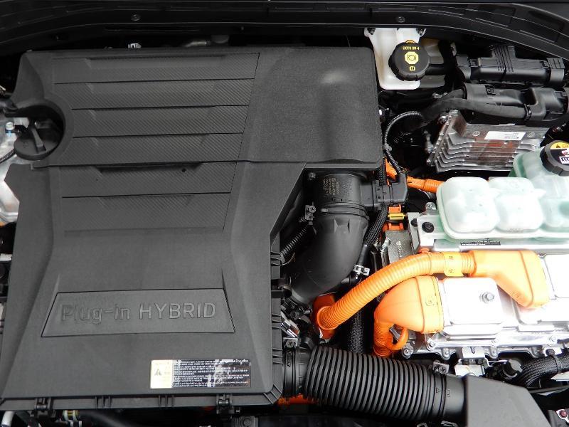 Photo 28 de l'offre de HYUNDAI Ioniq Plug-in 141ch Executive à 28990€ chez Garage Bazin