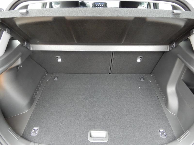 Photo 19 de l'offre de HYUNDAI Kona Electric 136ch Intuitive Euro6d-T EVAP 2cv à 21750€ chez Garage Bazin