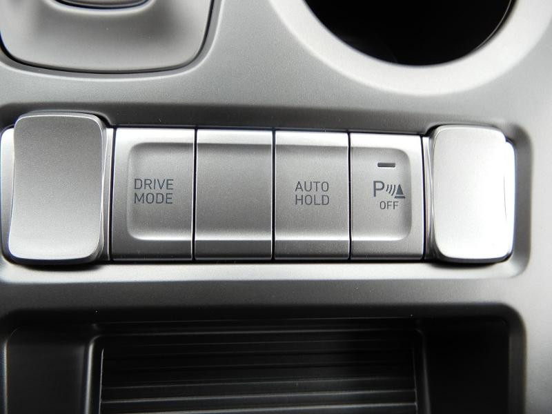 Photo 15 de l'offre de HYUNDAI Kona Electric 136ch Intuitive Euro6d-T EVAP 2cv à 21750€ chez Garage Bazin