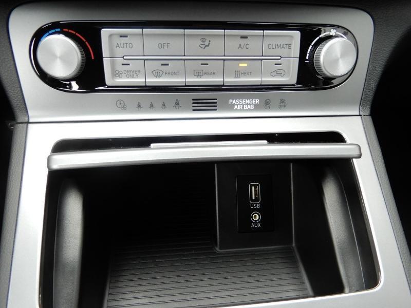 Photo 12 de l'offre de HYUNDAI Kona Electric 136ch Intuitive Euro6d-T EVAP 2cv à 21750€ chez Garage Bazin