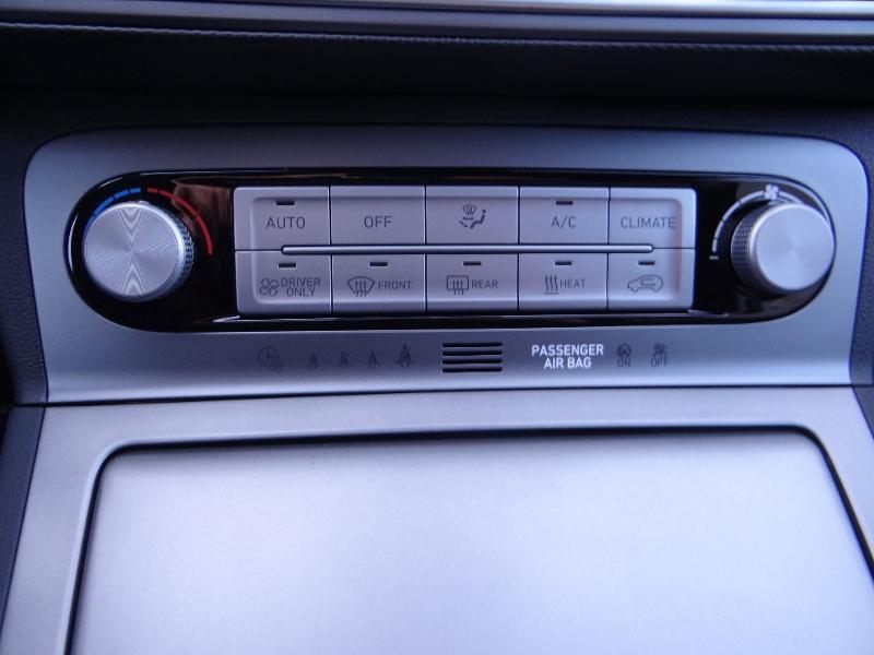 Photo 16 de l'offre de HYUNDAI Kona Electric 204ch Executive Style Euro6d-T EVAP 3cv à 31780€ chez Garage Bazin