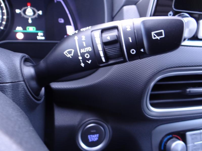 Photo 12 de l'offre de HYUNDAI Kona Electric 204ch Executive Style Euro6d-T EVAP 3cv à 31780€ chez Garage Bazin
