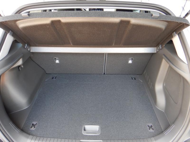 Photo 24 de l'offre de HYUNDAI Kona 1.6 CRDi Hybrid 48V 136ch Executive DCT-7 à 28850€ chez Garage Bazin