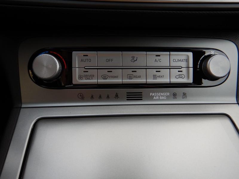 Photo 19 de l'offre de HYUNDAI Kona Electric 136ch Creative Euro6d-T EVAP 2cv à 26300€ chez Garage Bazin