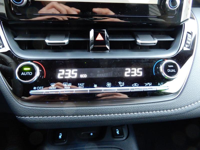 Photo 18 de l'offre de SUZUKI Swace 1.8 Hybrid 122ch Pack à 22590€ chez Garage Bazin