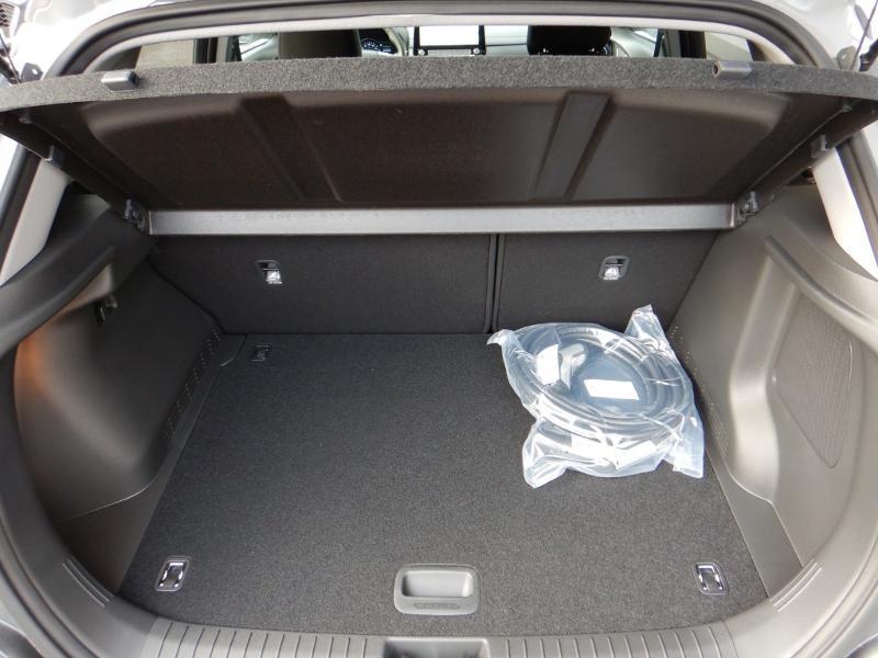 Photo 26 de l'offre de HYUNDAI Kona Electric 136ch Creative Euro6d-T EVAP 2cv à 26300€ chez Garage Bazin