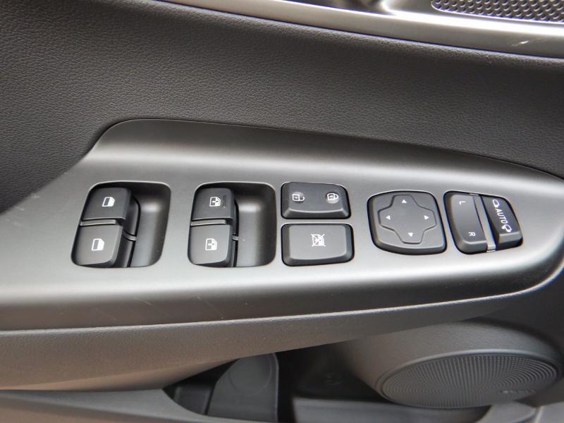 Photo 8 de l'offre de HYUNDAI Kona Electric 136ch Creative Euro6d-T EVAP 2cv à 26300€ chez Garage Bazin