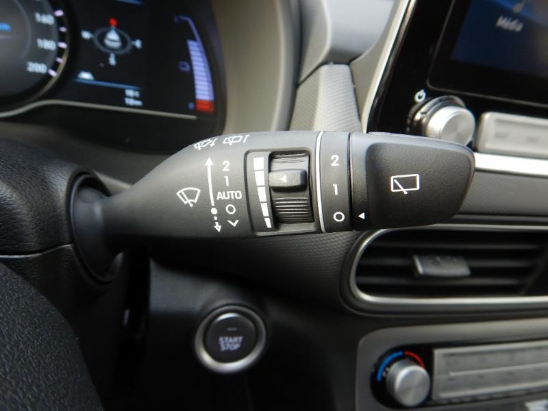 Photo 14 de l'offre de HYUNDAI Kona Electric 136ch Creative Euro6d-T EVAP 2cv à 26300€ chez Garage Bazin