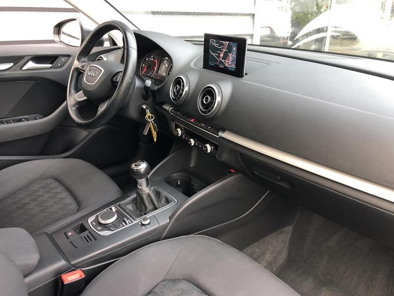 Photo 6 de l'offre de AUDI A3 SPORTBACK 1.6 TDI 105CH FAP AMBIENTE à 13990€ chez BCP Automobiles