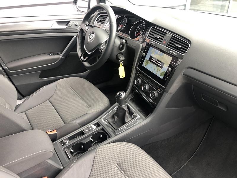 Photo 7 de l'offre de VOLKSWAGEN GOLF VII 1.6 TDI 115CH BLUEMOTION TECHNOLOGY FAP TRENDLINE BUSINESS 5P à 20999€ chez BCP Automobiles