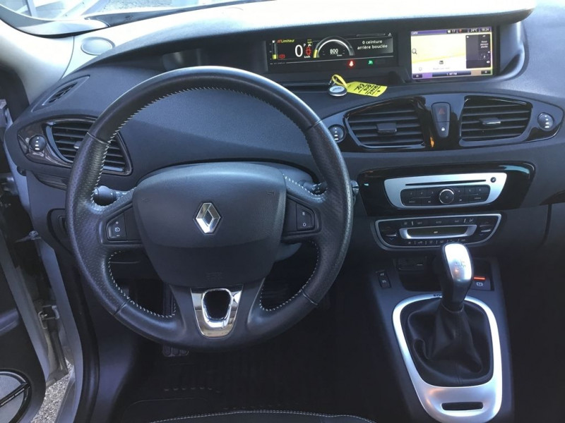Photo 5 de l'offre de RENAULT SCENIC III 1.5 DCI 110CH BOSE EDC EURO6 2015 à 12990€ chez BCP Automobiles