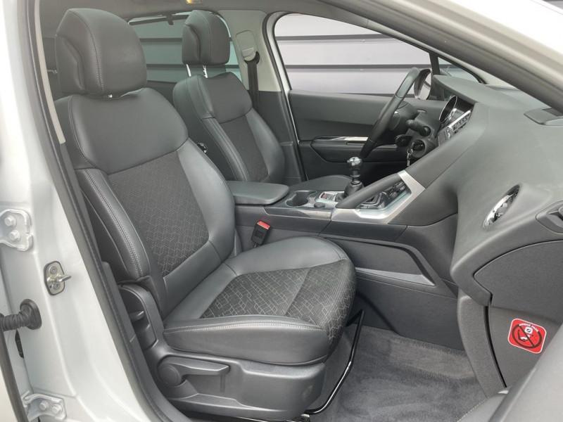 Photo 8 de l'offre de PEUGEOT 3008 1.6 HDI115 FAP ALLURE à 10990€ chez BCP Automobiles