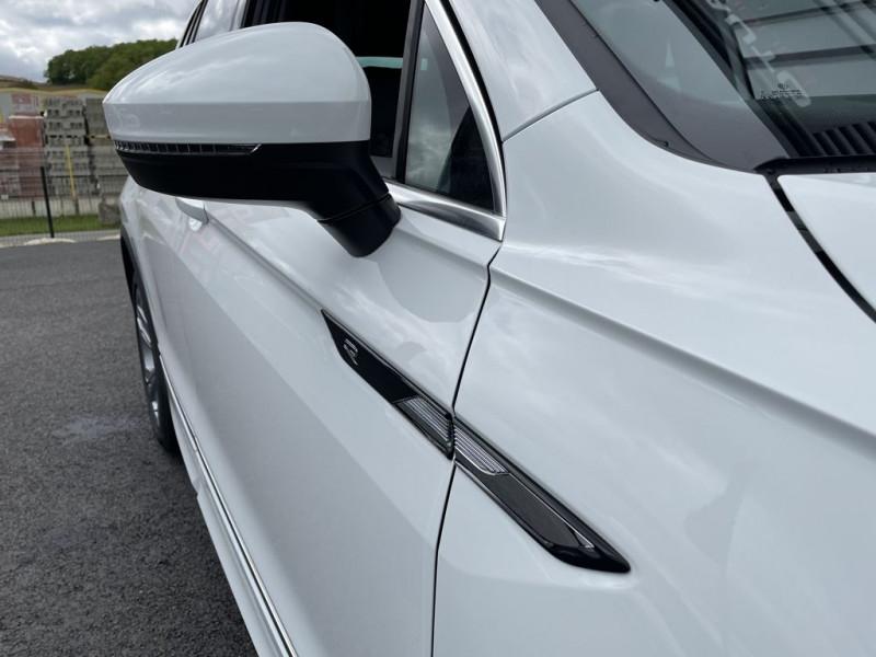 Photo 14 de l'offre de VOLKSWAGEN TIGUAN 2.0 TDI 150CH R-LINE DSG7 à 42990€ chez BCP Automobiles