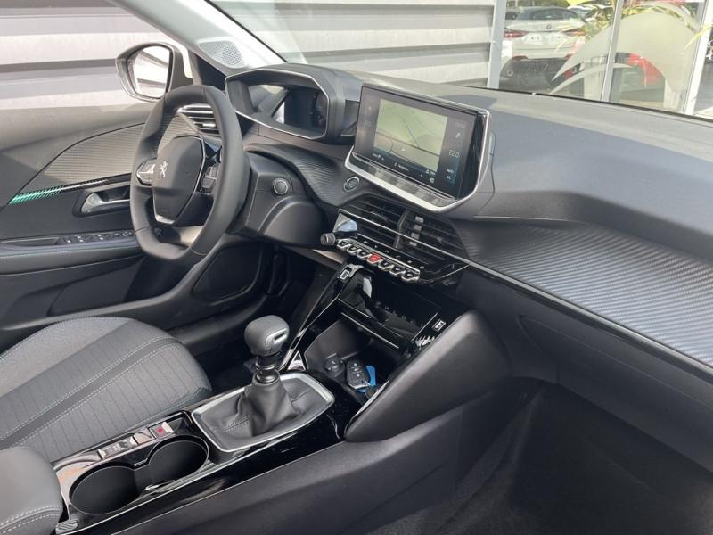 Photo 8 de l'offre de PEUGEOT 208 1.2 PURETECH 100CH S&S ALLURE PACK à 21990€ chez BCP Automobiles