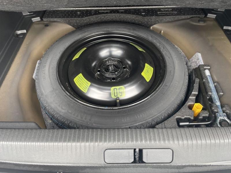 Photo 11 de l'offre de PEUGEOT 2008 1.5 BLUEHDI 130CH S&S GT EAT8 à 29990€ chez BCP Automobiles