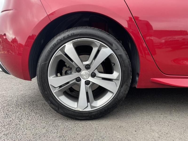 Photo 13 de l'offre de PEUGEOT 308 1.6 BLUEHDI 120CH GT LINE S&S 5P à 15490€ chez BCP Automobiles