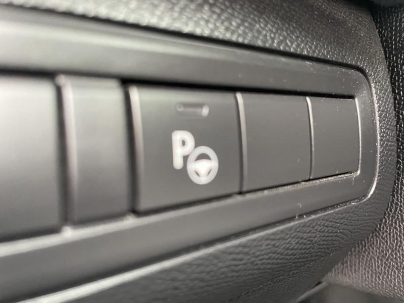 Photo 11 de l'offre de PEUGEOT 308 1.6 BLUEHDI 120CH GT LINE S&S 5P à 15490€ chez BCP Automobiles