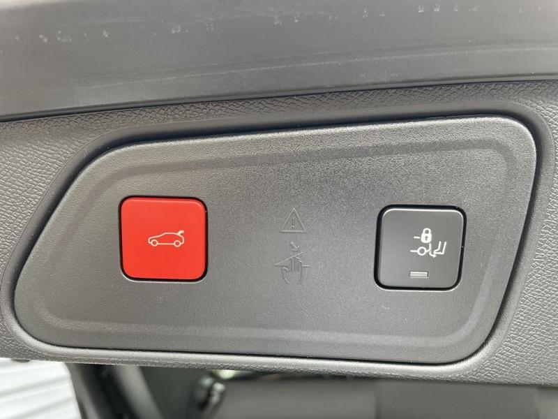 Photo 12 de l'offre de PEUGEOT 3008 1.5 BLUEHDI 130CH S&S GT PACK EAT8 à 37990€ chez BCP Automobiles